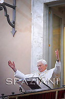 Regina Coeli prayer Benedict XVI in the of residence in Castelgandolfo, April 5, 2010
