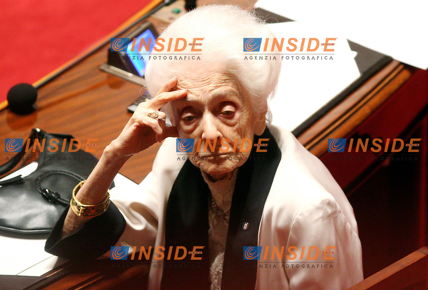 Roma, 19-05- 2006  Senato:Votazione per la Fiducia.Nella foto la senatrice a vita Rita Levi Montalcini.Photo Serena Cremaschi Insidefoto
