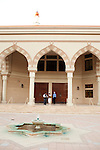 For a Brian Knowlton FF story on Muslim women in the US..USA, Atlanta, GA. 29, OCTOBER, 2010. Men enter the Al-Farooq Masjid before sunset and prayers in Atlanta... //// KENDRICK BRINSON/LUCEO for the International Herald Tribune