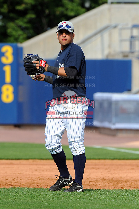 Staten Island Yankees infielder Luis Parache (6) during first team workout at Richmond County Bank Ballpark at St. George in Staten Island, NY June 15, 2010.  Photo By Tomasso DeRosa/ Four Seam Images