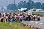 Passeata de metalúrgicos desempregados no ABC, São Paulo. 1983. Foto de Juca Martins.