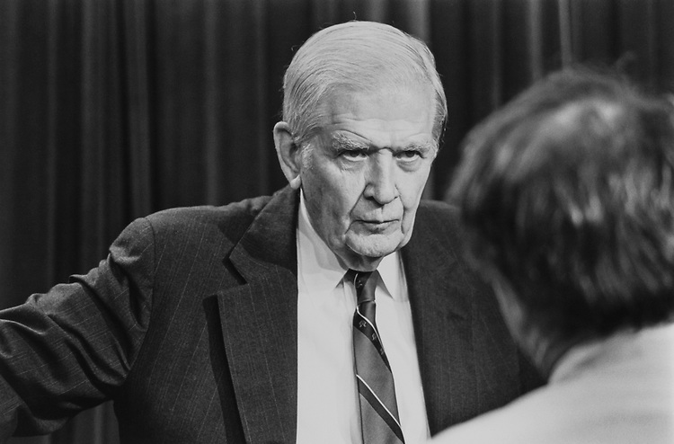 Sen. Terry Sanford, D-N.C., talks to a reporter about Ethics on Dec. 3, 1992. (Photo by CQ Roll Call)