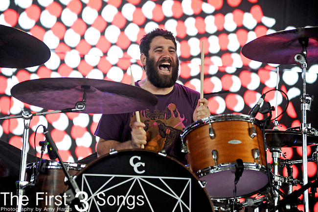 Tim Very of Manchester Orchestra performs at Riverbend Music Center in Cincinnati, Ohio on August 21, 2011.