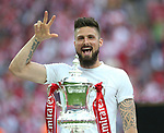 Olivier Giroud of Arsenal celebrates wining the FA cup during the Emirates FA Cup Final match at Wembley Stadium, London. Picture date: May 27th, 2017.Picture credit should read: David Klein/Sportimage