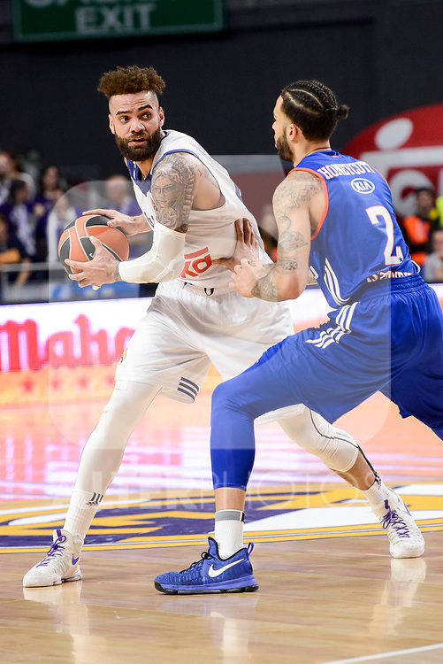 Real Madrid's Jeffery Taylor and Anadolu Efes's Tyler Honeycutt during Turkish Airlines Euroleague match between Real Madrid and Anadolu Efes at Wizink Center in Madrid, April 07, 2017. Spain.<br /> (ALTERPHOTOS/BorjaB.Hojas)
