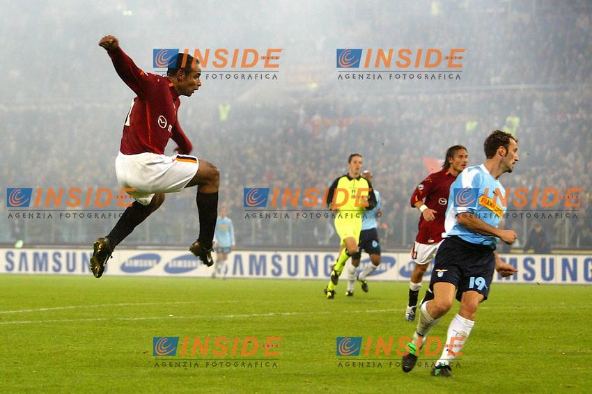 Roma 9/11/2003 <br /> Roma Lazio 2-0 <br /> Emerson realizza il gol del 2-0 <br /> Foto Andrea Staccioli Insidefoto