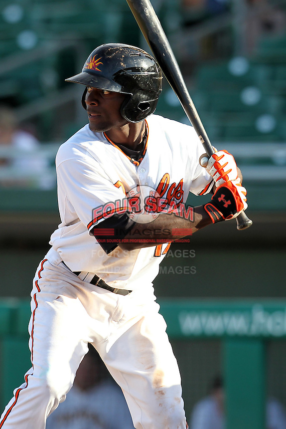 Mesa Solar Sox outfielder Xavier Avery #17 during an Arizona Fall League game against the Phoenix Desert Dogs at HoHoKam Park on November 3, 2011 in Mesa, Arizona.  Mesa defeated Phoenix 8-7.  (Mike Janes/Four Seam Images)