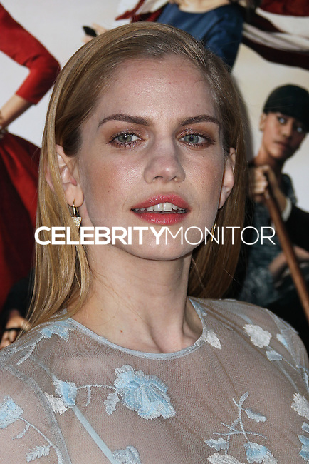 "HOLLYWOOD, LOS ANGELES, CA, USA - MARCH 24: Anna Chlumsky at the Los Angeles Premiere Of HBO's ""Veep"" 3rd Season held at Paramount Studios on March 24, 2014 in Hollywood, Los Angeles, California, United States. (Photo by Xavier Collin/Celebrity Monitor)"
