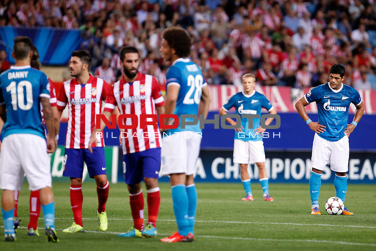 Football Club Zenit's Hulk (r) during Champions League 2013/2014 match.September 18,2013. Foto © nph / Victor Blanco)