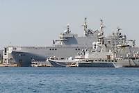 - French  Navy, Toulon naval base, Mistral amphibious assault ship<br /> <br /> - Marina Militare Francese, base navale di Tolone, nave da assalto anfibio Mistral