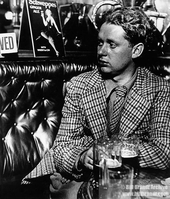 Dylan Thomas, 1941