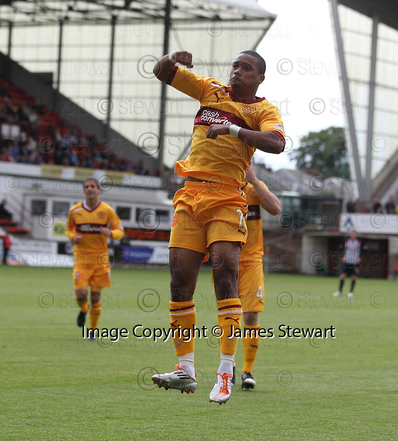 MOTHERWELL'S CHRIS HUMPHREY CELEBRATES AFTER HE SCORES MOTHERWELL'S THIRD GOAL