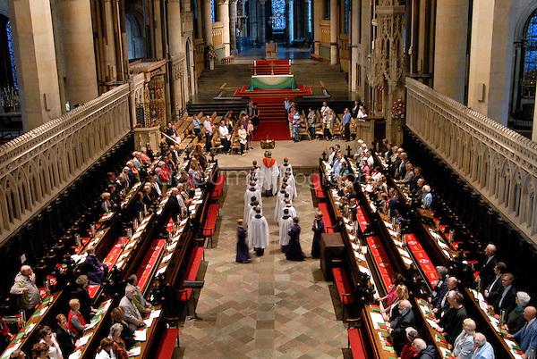 copyright : Magali Corouge / Documentography..Juin 2008, Canterbury, Uk..Office du soir dans la cathédrale de Canterbury.