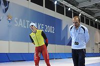 SCHAATSEN: SALT LAKE CITY: Utah Olympic Oval, 12-11-2013, Essent ISU World Cup, training, Bart Swings (BEL), Jelle Spruyt (trainer/coach Team Stressless), ©foto Martin de Jong