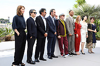 """Maren ADE - PARK Chan-Wook - Gabriel YARED - Paolo SORRENTINO - Pedro ALMOD""""VAR - Will SMITH - Jessica CHASTAIN - FAN Bingbing - AgnËs JAOUI - CANNES 2017 - PHOTOCALL DU JURY"""