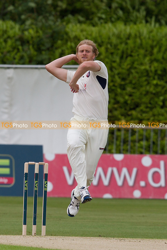 Mark Davies, Kent CCC in action - Kent CCC vs Hampshire CCC - LV County Championship Division Two Cricket at The Nevill Ground, Tunbridge Wells - 06/06/12 - MANDATORY CREDIT: Ray Lawrence/TGSPHOTO - Self billing applies where appropriate - 0845 094 6026 - contact@tgsphoto.co.uk - NO UNPAID USE.