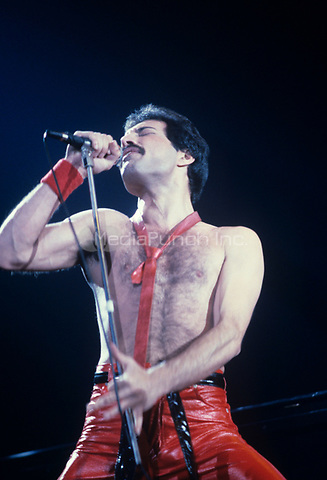 Queen performs in Philadelphia, PA in 1980. © mpi09 / MediaPunch
