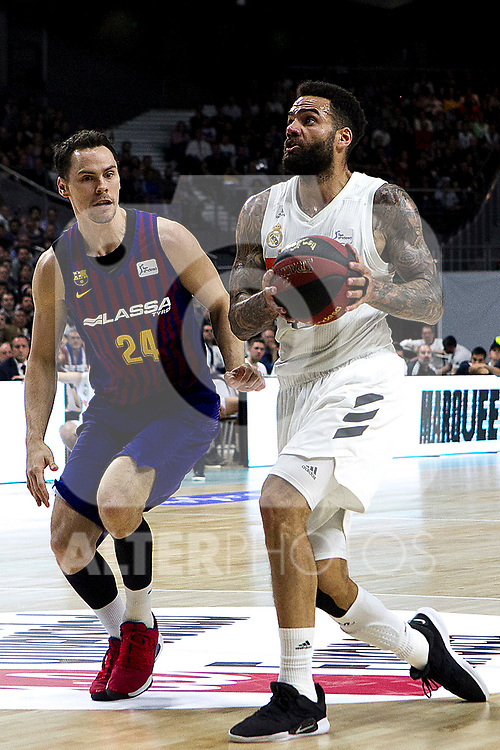Barcelona's Kyle Kuric and Real Madrid's Jeffery Taylor during Liga Endesa match between Real Madrid and FC Barcelona Lassa at Wizink Center in Madrid, Spain. March 24, 2019.  (ALTERPHOTOS/Alconada)