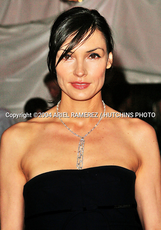 ©2004 ARIEL RAMEREZ /HUTCHINS PHOTO.MET MUSEM OF ART COSTUME INSTITUE GALA.DANGEROUS LIASIONS: FASHION & FURNITURE IN THE 18TH CENTURY.NEW YORK, NY.APRIL 26, 2004..FAMKE JANSSEN