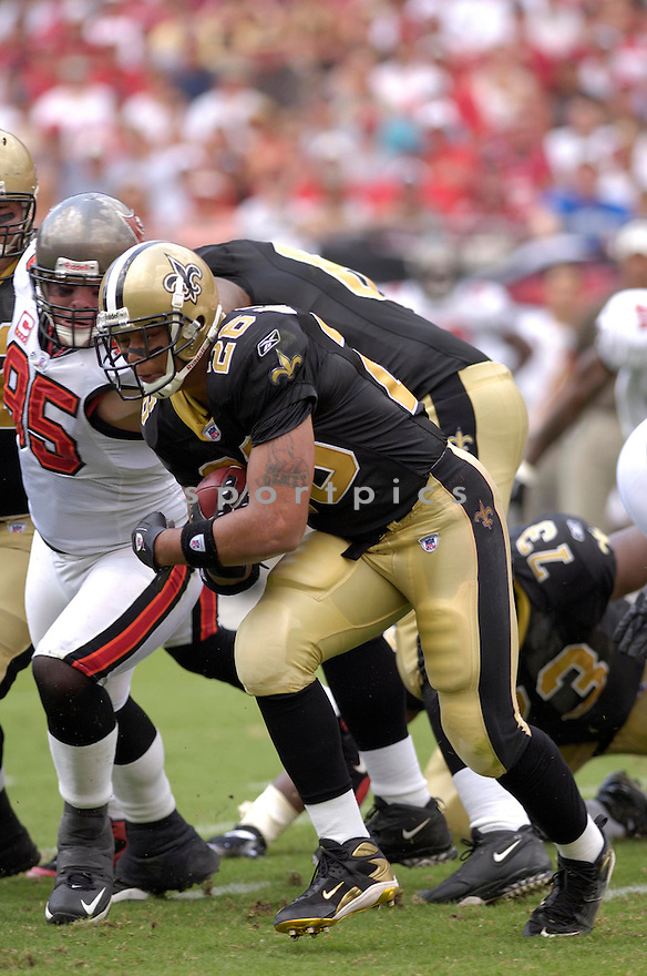 DEUCE MCCALLISTER, of the New Orleans Saints in action during the Saints game against the Tampa Bay Buccaneers on September 16, 2007 in Tampa Bay, Florida...BUCCANEERS win 31-14..SportPics
