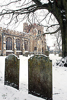 Hertfordshire - Snow scenes in Hertfordshire. Pictured - St Marys Church, Hitchin - January 18th 2012..Photo by Keith Mayhew