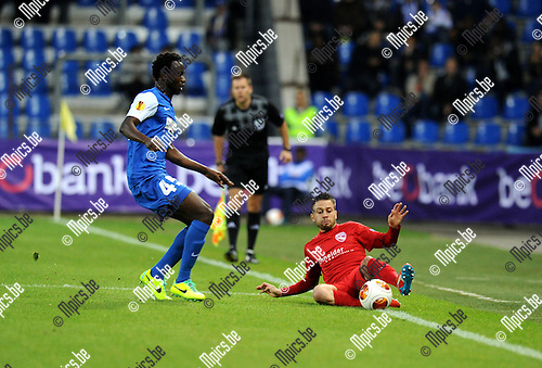 2013-10-03 / Voetbal / seizoen 2013-2014 / UEFA EUROPA LEAGUE / KRC Genk - FC Thun / Kumordzi  with Andreas Wittwer (r. Thun)<br />