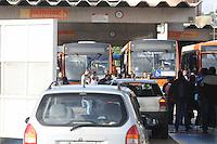 SAO PAULO.-SP, 22 DE JANEIRO 2013 - GREVE ONIBUS - Motoristas e cobradores de ônibus de duas garagens da Viação Transpass paralisaram suas atividades na madrugada desta terça-feira (22), no bairro do Jarague regiao oeste da cidade de São Paulo, para reivindicar aumento salaria. FOTO: ADRIANO LIMA / BRAZIL PHOTO PRESS).