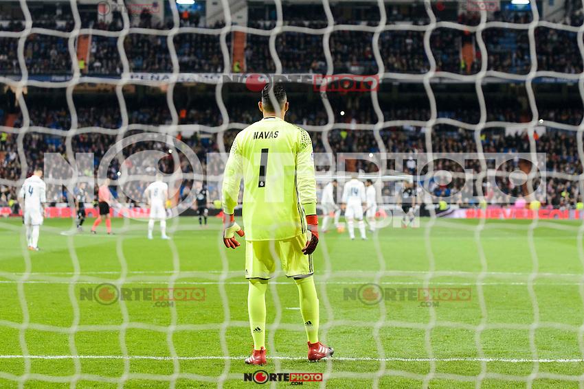 Real Madrid Keylor Navas during La Liga match between Real Madrid and Deportivo de la Coruña at Santiago Bernabeu Stadium in Madrid, Spain. December 10, 2016. (ALTERPHOTOS/BorjaB.Hojas) /NORTEPHOTO.COM