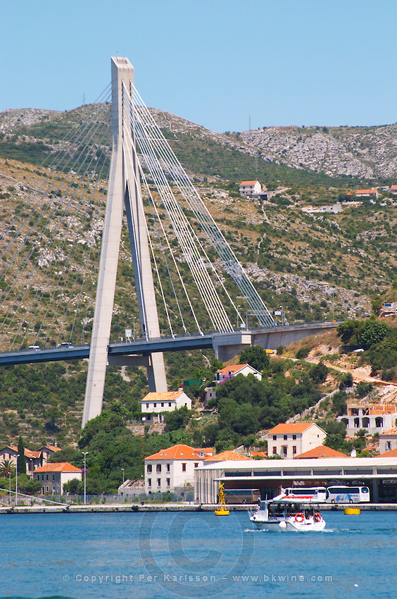 The new Dubrovnik Franjo Tudman Franja Tudmana suspension bridge at the entrance to Gruz docks harbour, Rijeka Dubrovacka bay and Kanal Daksa canal. Luka Gruz harbour. Dubrovnik, new city. Dalmatian Coast, Croatia, Europe.