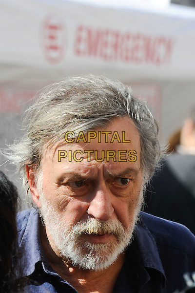GINO STRADA, founder of Emergency.Demonstration against war for peace in Libya, organized by the NGO 'Emergency' in Piazza Navona, Romwe, Italy..April 2nd, 2011.headshot portrait beard facial hair.CAP/EPS/GG.©Giuseppe Giglia/EPS/Capital Pictures