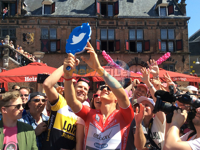 Marcel Kittel (GER) Etixx-Quick Step with twitter fans at sign on before the start of Stage 3 of the 2016 Giro d'Italia running 190km from Nijmegen to Arnhem, The Nethrerlands. 8th May 2016.<br /> Picture: ANSA/Alessandro Di Meo | Newsfile<br /> <br /> <br /> All photos usage must carry mandatory copyright credit (&copy; Newsfile | ANSA/Alessandro Di Meo)