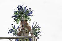 RECIFE, PE, 01.03.2014 - CARNAVAL / RECIFE / GALO DA MADRUGADA - <br /> A cantora Joelma da Banda Calypso  durante apresentação no Galo da Madrugada, maior bloco de carnaval do mundo, no centro de Recife, na manhã deste sábado (01). (Foto: William Volcov / Brazil Photo Press).