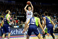 GRONINGEN - Basketbal, Donar - ZZ Leiden, Martiniplaza,  Dutch Basketball League, seizoen 2017-2018, 09-12-2017,  Donar speler Evan Bruinsma legt aan voor een driepunter