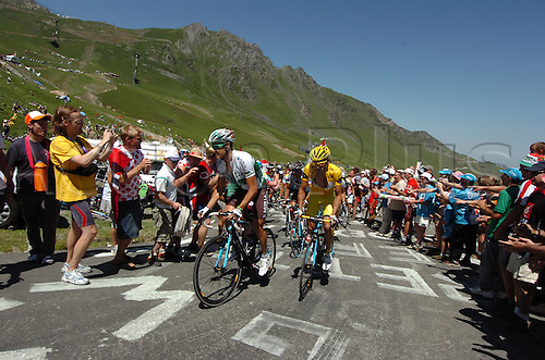 2009, Tour de France, tappa 09 Saint Gaudens - Tarbes, Ag2r - La Mondiale, Roche Nicolas, Nocentini Rinaldo, Tourmalet July 11th 2009.  Stage 9 (Photo: Stefano Sirotti/ActionPlus)