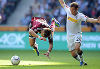 FUSSBALL   1. BUNDESLIGA   SAISON 2011/2012    7. SPIELTAG Borussia Moenchengladbach - 1. FC Nuernberg         24.09.2011 Alexander ESSWEIN (li, Nuernberg) gegen Tony JANTSCHKE (re, Moenchengladbach)
