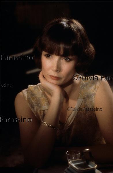"1986 circa, Sabine Azéma sul set del film ""Melò"" di Alain Resnais; about 1986, Sabine Azéma on Alain Renais ""Melò"" movie set"