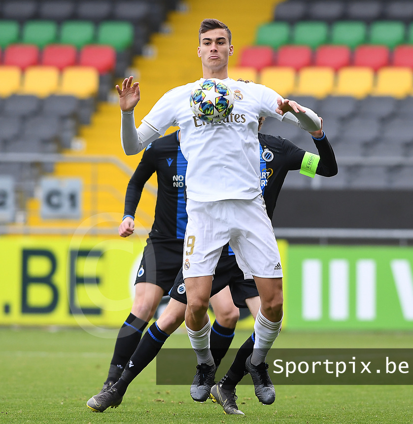 20191211 – OOSTENDE , BELGIUM : Pedro Ruiz of Real Madrid pictured during a soccer game between Club Brugge KV and Real Madrid on the sixth and last matchday in group A of the UEFA Youth League - Champions League season 2019-2020 , thuesday 11 th December 2019 at the Versluys Arena in Oostende , Belgium . PHOTO SPORTPIX.BE | DAVID CATRY