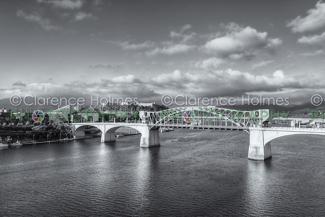 A birds-eye-view of the Chief John Ross (Market Street) bridge spanning the Tennessee River in Chattanooga, Tennessee.