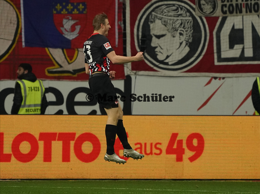 celebrate the goal, Torjubel zum 1:0 Martin Hinteregger (Eintracht Frankfurt) - 18.12.2019: Eintracht Frankfurt vs. 1. FC Koeln, Commerzbank Arena, 16. Spieltag<br /> DISCLAIMER: DFL regulations prohibit any use of photographs as image sequences and/or quasi-video.