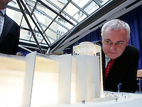 5/2/07 Taoiseach Bertie Ahern at the unveiling of thearchitectural plans for the Repulic of Ireland's first Interactive Science Centre, at the OPW, St Stephen's Green  Dublin. Picture:Arthur Carron/Collins