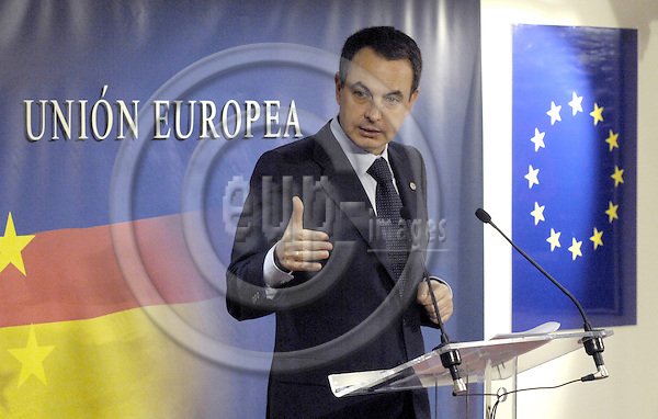 Brussels-Belgium - 09 March 2007---European Council, second day of the summit under German Presidency; here, José Luis Rodríguez ZAPATERO (Jose, Rodriguez), Prime Minister of Spain, during his press conference at the end of the summit---Photo: Horst Wagner/eup-images