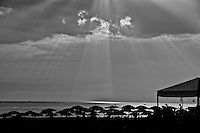 Praia a mare - 2011 - Praia a Mare è un comune di 6.805 abitanti della provincia di Cosenza. Nato come villaggio di pescatori e contadini, fu prima frazione marinara di Aieta (col nome di Praia d'Aieta), paese posto a 10 km. sulle montagne. Poi nel 1937 i due comuni furono scissi e divenne Praia a Mare. Oggi la località, che ingloba anche l' Isola di Dino (la più grande delle isole calabresi), vive principalmente di turismo.