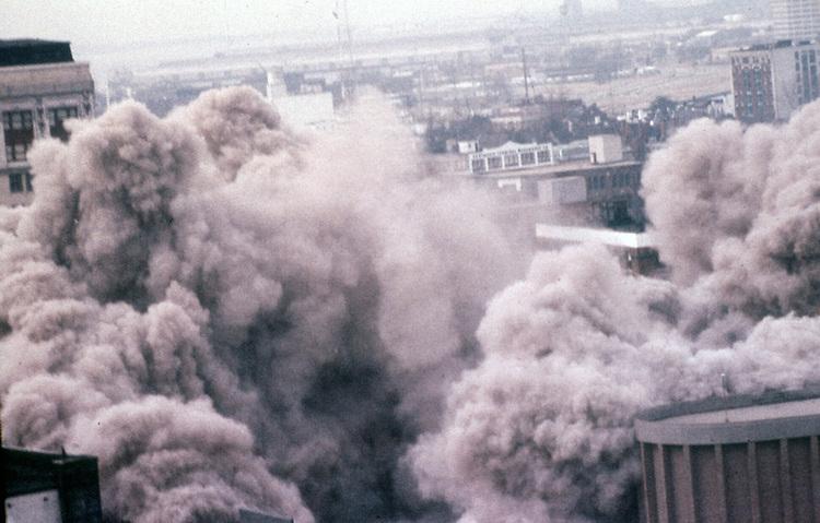 1976 July 04..Redevelopment...Downtown North (R-8)..MONTICELLO HOTEL DEMOLITION...NEG#.NRHA#..