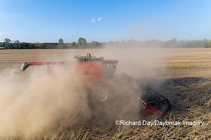63801-13407 Harvesting soybeans in fall-aerial  Marion Co. IL
