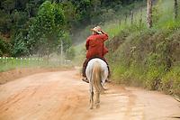 Santa Leopoldina_ES, Brasil...Homem cavalgando em um trecho da Rota imperial da Estrada Real...A horseman in the Imperial route of Estrada Real (The Kings Road)...Foto: LEO DRUMOND / NITRO