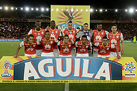 BOGOTÁ -COLOMBIA, 09-07-2017: Jugadores de Santa Fe posan para una foto previo al encuentro entre Independiente Santa Fe y Atletico Nacional partido por la fecha 1 de la Liga Aguila II 2017 jugado en el estadio Nemesio Camacho El Campin de la ciudad de Bogota. / Players of Santa Fe pose to a photo prior the match between Independiente Santa Fe and Atletico Nacional for the date 1 of the Aguila League II 2017 played at the Nemesio Camacho El Campin Stadium in Bogota city. Photo: VizzorImage/ Gabriel Aponte / Staff