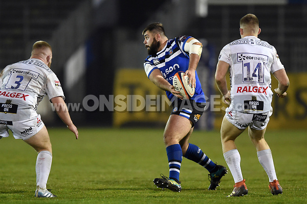 Will Vaughan of Bath United looks to pass the ball. Premiership Rugby Shield match, between Bath United and Gloucester United on April 8, 2019 at the Recreation Ground in Bath, England. Photo by: Patrick Khachfe / Onside Images