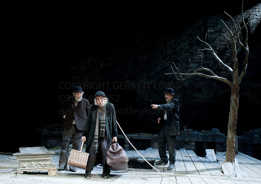 Waiting For Godot by Samuel Beckett,directed by Sean Mathias.With Patrick Stewart as Vladimir, Ronald Pickup as Lucky, Ian McKellen as Estagon.Opens  at The Theatre Royal Haymarket   on 7/5/09 CREDIT Geraint Lewis