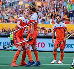 Den Bosch  -  Jip Janssen (Ned) scoort uit een strafcorner  en viert het met Joep de Mol (Ned)    tijdens   de Pro League hockeywedstrijd heren, Nederland-Belgie (4-3).    COPYRIGHT KOEN SUYK