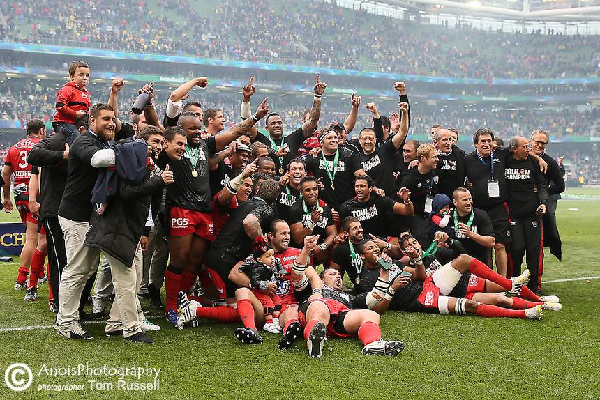 Toulon celebrating